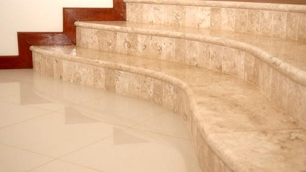 Tipos de suelos para interiores casa y color for Ceramica para suelos de interior