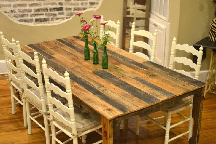 Mesa de madera reutilizada