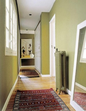 Tips para decorar los pasillos casa y color - Decorar paredes pasillo ...