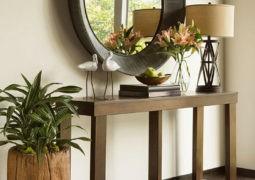 Uso adecuado de muebles auxiliares: mesitas, consolas, etc.