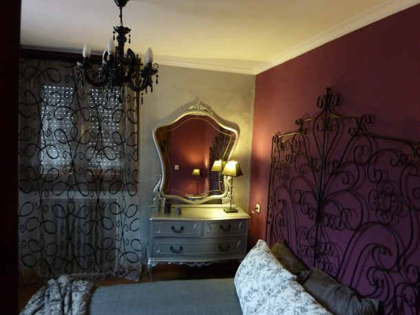 Pintureria nalon for Pared color cereza