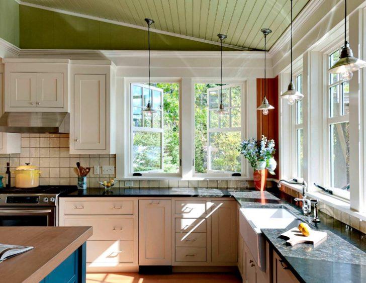 Carpintería de la cocina de color blanco