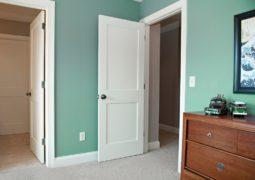 Ventajas de pintar la carpintería de blanco