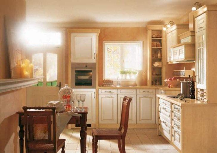 Cocina sencilla luminosa