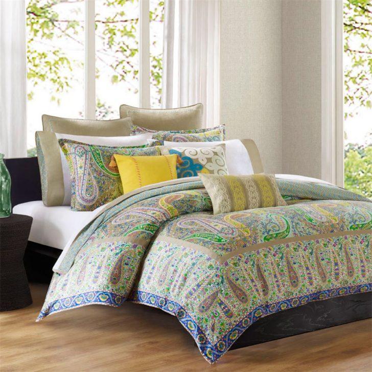 Almohadones en la cama