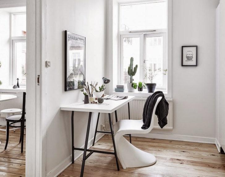 Escritorio blanco con silla