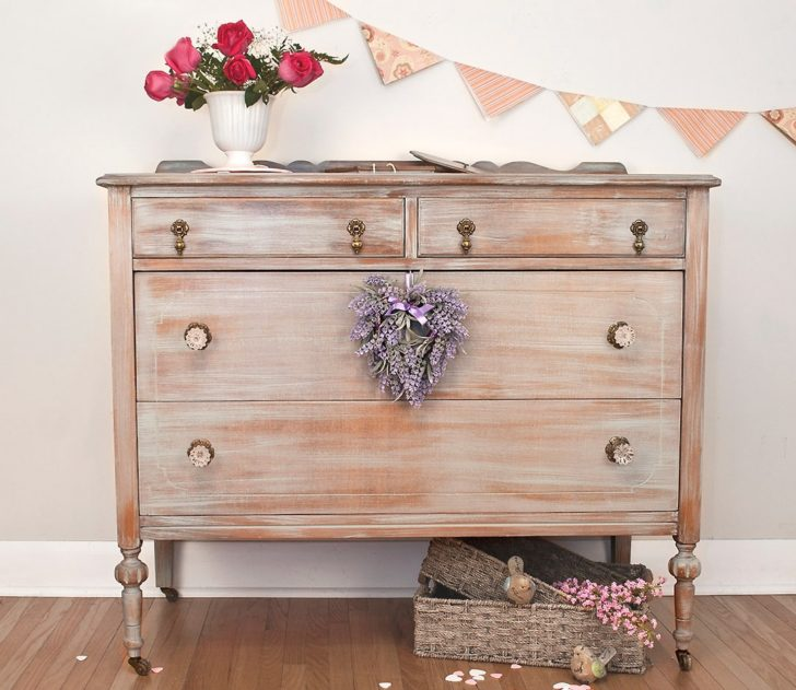 C mo patinar un mueble de madera casa y color for Pintar un mueble de blanco