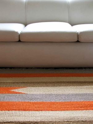Sofa y alfombra