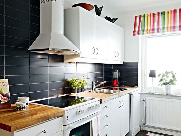 Muebles de cocina con isla central: en una cocina moderna de ...