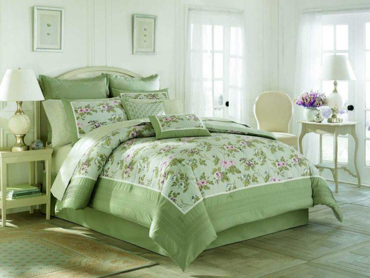 Usando almohadones para decorar la cama casa y color - Decorar cama con cojines ...
