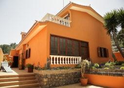 Paleta de colores para exteriores y fachadas de casas de estilo colonial