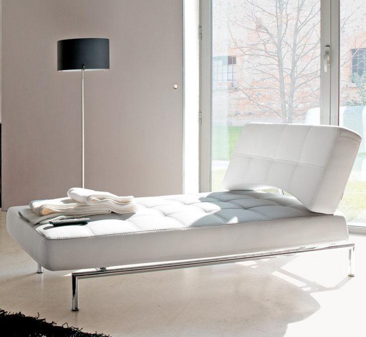 Longue chaise minimalista