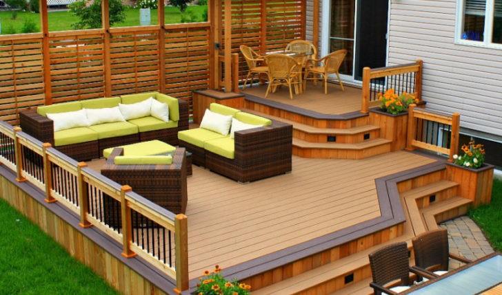 Deck pequeño y muebles