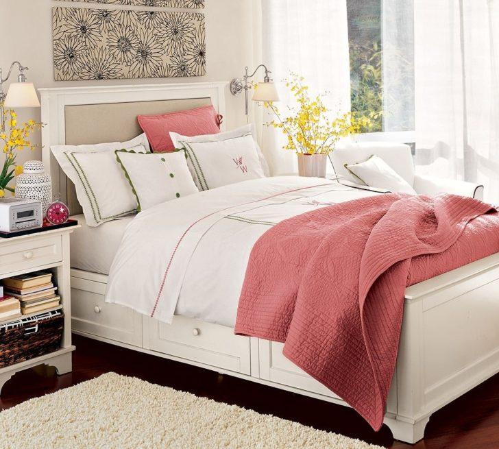 Dormitorio acogedor coral