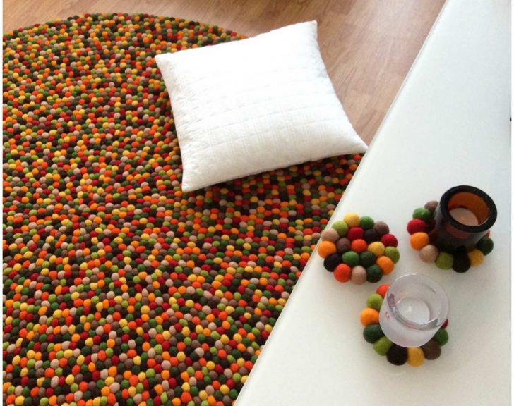 Alfombra de bolas multicolor