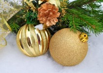 Decoración navideña en color dorado