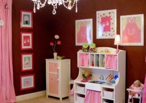 Cuarto de niña en colores chocolate y rosas