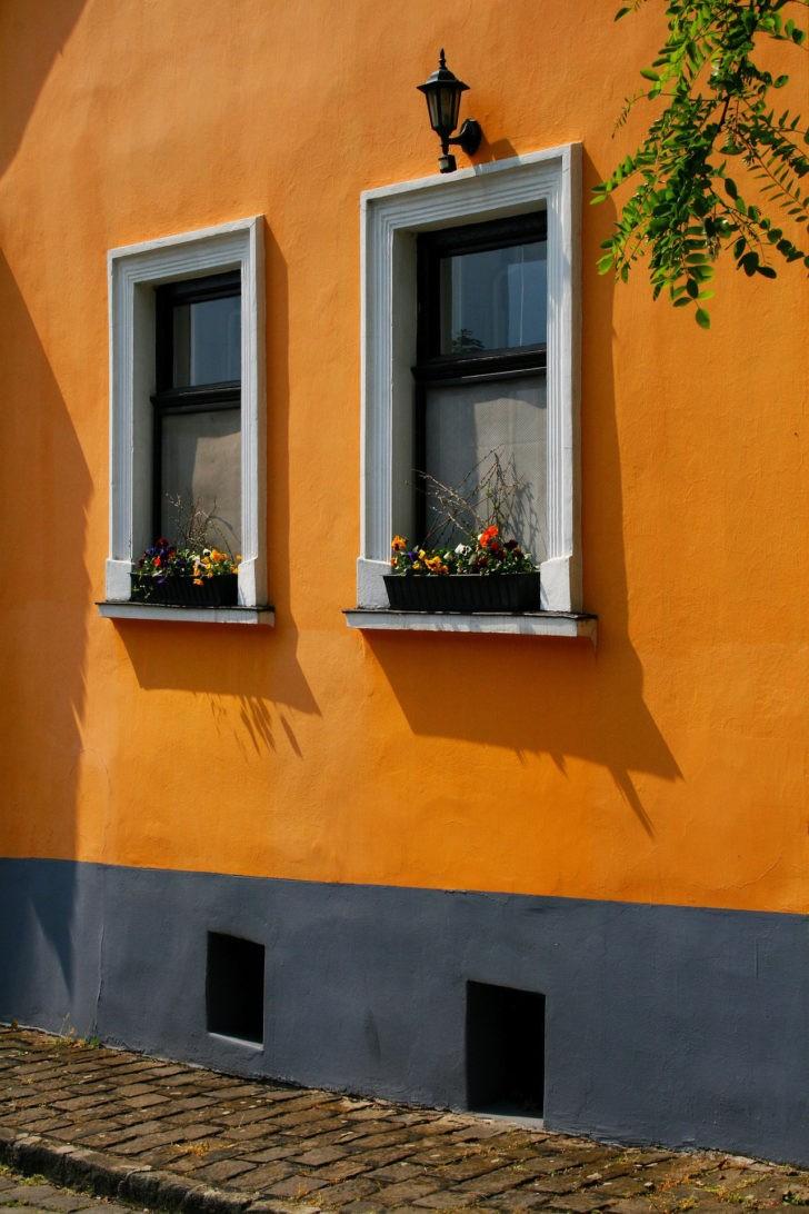 Fachada naranja