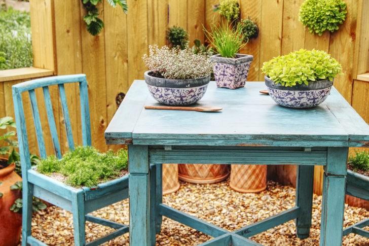 Muebles en el jardín