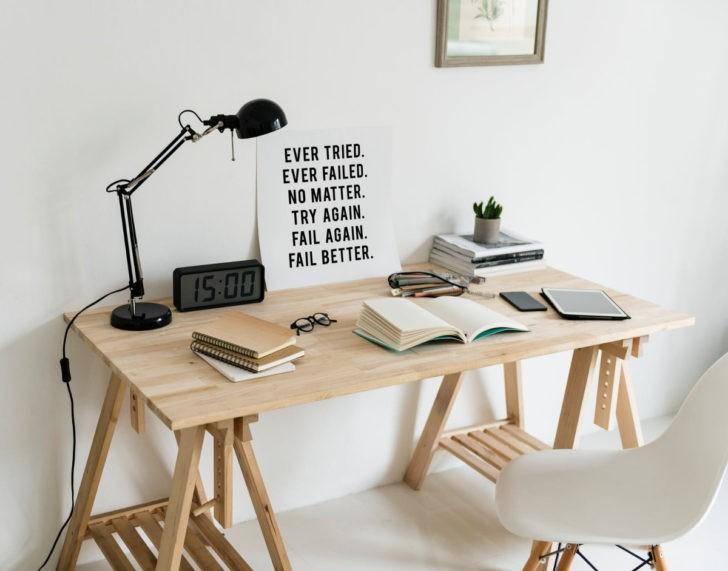 Mueble escritorio sencillo